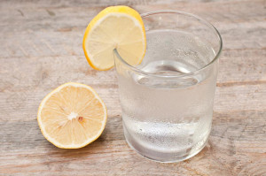 alphasproduce-lemonwater